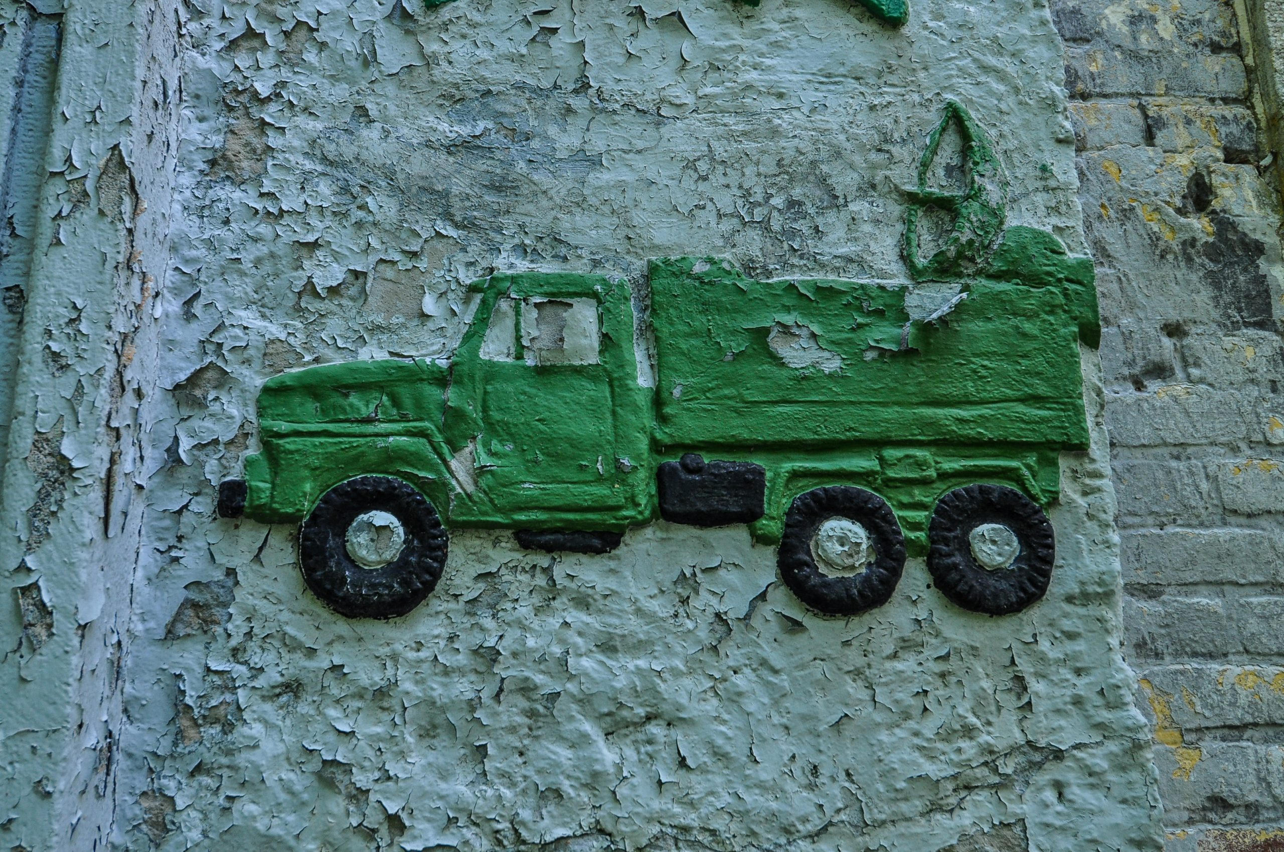 soviet radio truck mural door kaserne krampnitz abandoned potsdam berlin Kavallerieschule barracks Panzertruppenschule nazi soviet military base germany deutschland