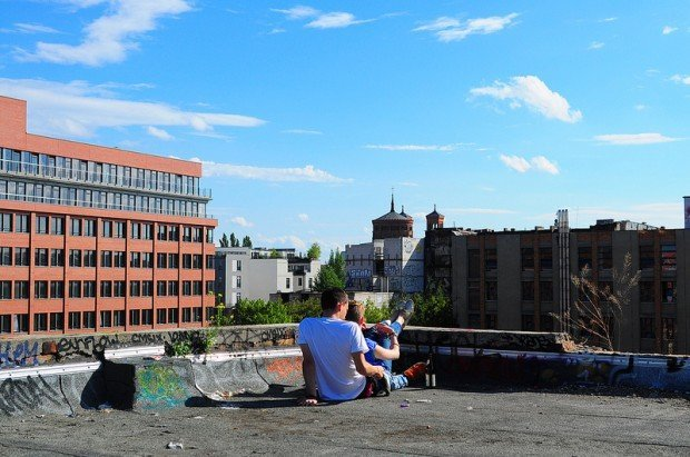A young couple on the roof of the Eisfabrik