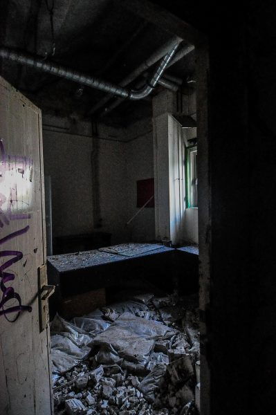 kino sojus junk and trash abandoned cinema verlassenes kino lost places abandoned berlin germany