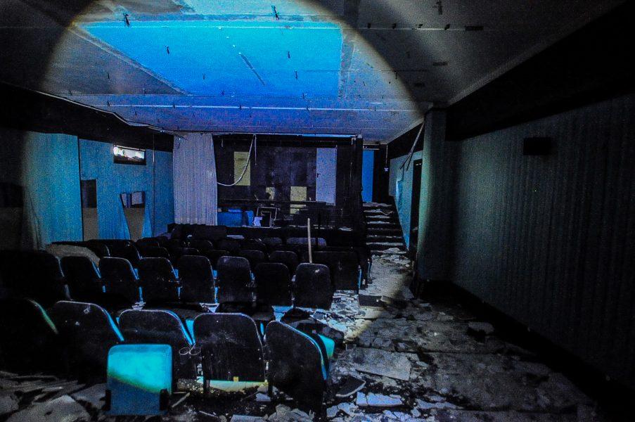 kino sojus lower cinema screens abandoned cinema verlassenes kino lost places abandoned berlin germany