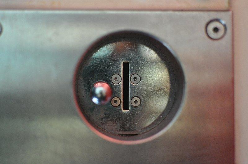 photoautomat coin slot