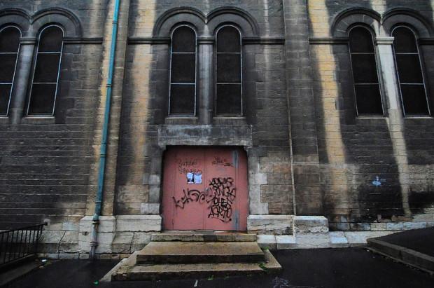 side entrance of the eglise du bon pasteur in lyon, france