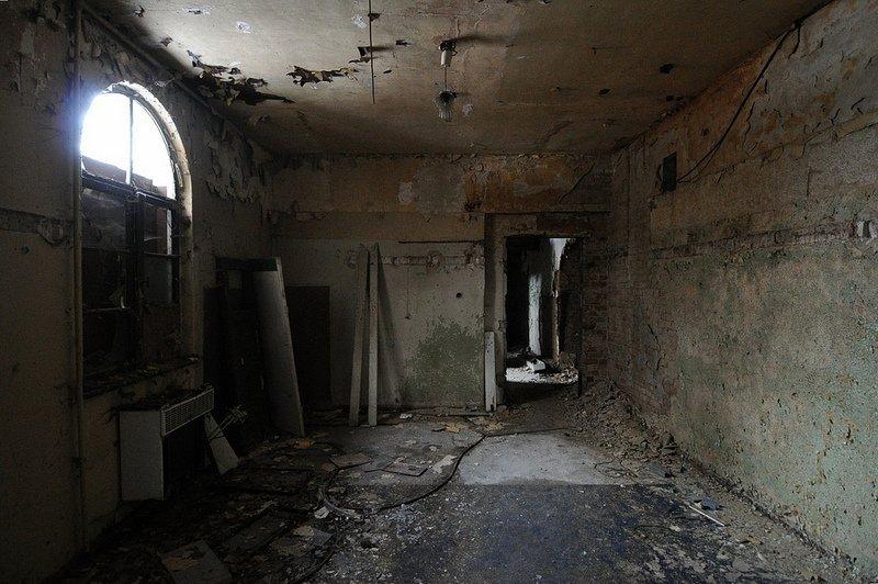 abandoned room gesellschaftshaus gruenau - Digital Cosmonaut