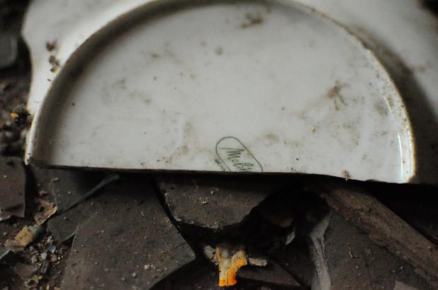 broken melitta plate