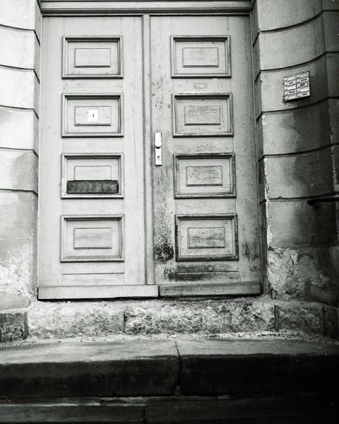 crumbling doorway in potsdam