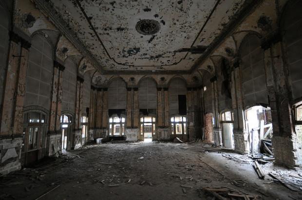abandoned ballroom in grünau berlin