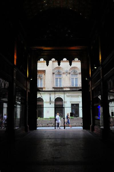 rear entrance pariszi udvar