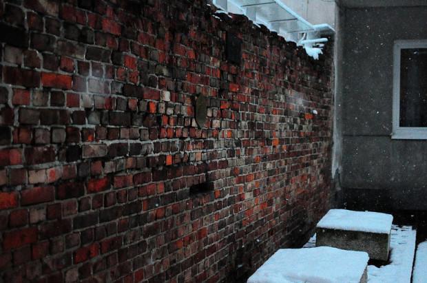 Ul Sienna Warsaw Ghetto Wall