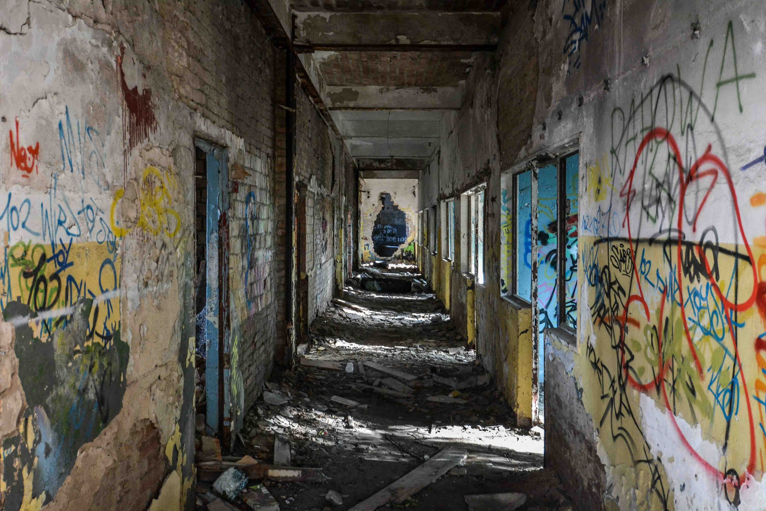 abandoned airport hallway flugplatz oranienburg urbex abandoned lost places brandenburg