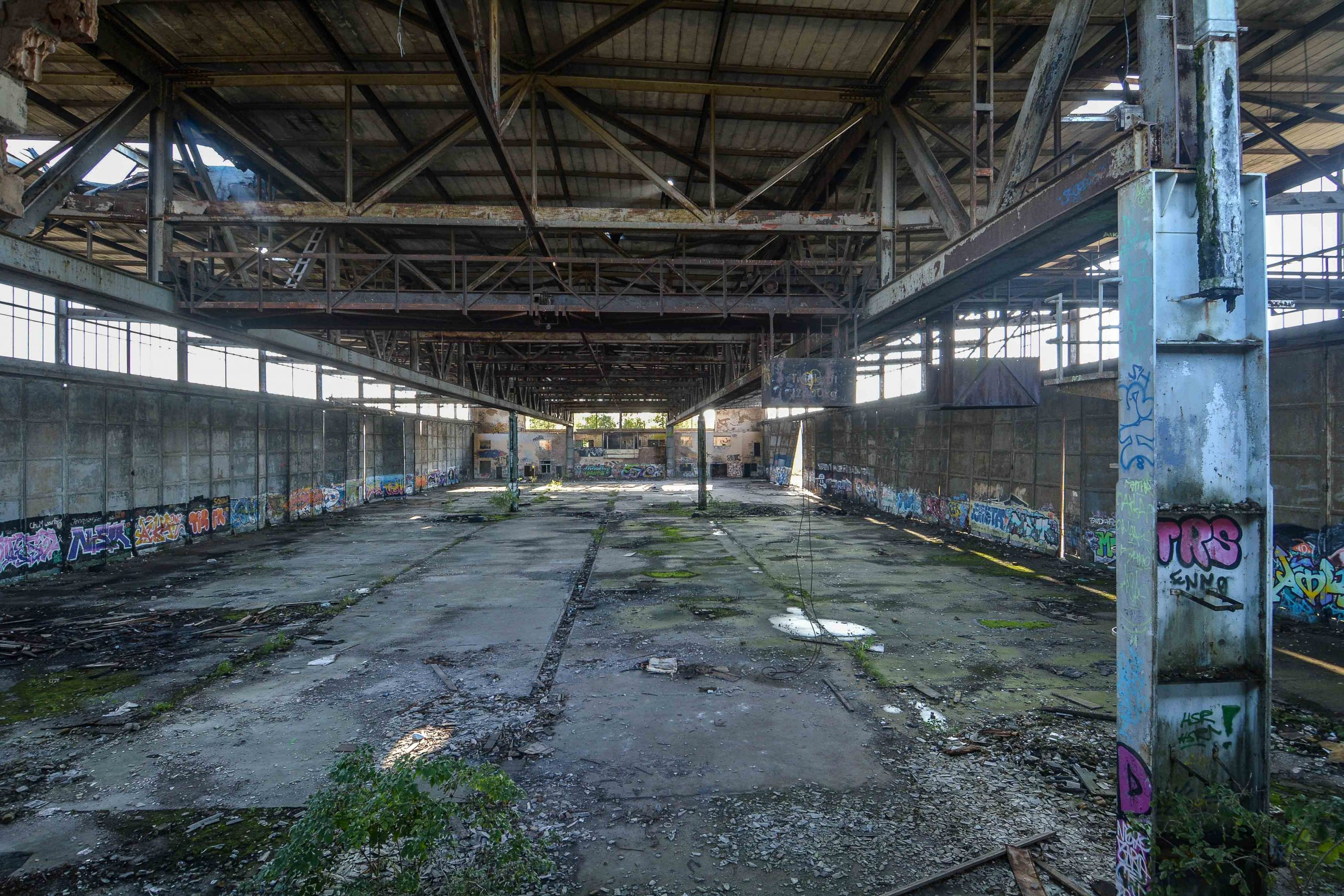 aircraft hangar einflughale wide view flugplatz oranienburg urbex abandoned lost places brandenburg