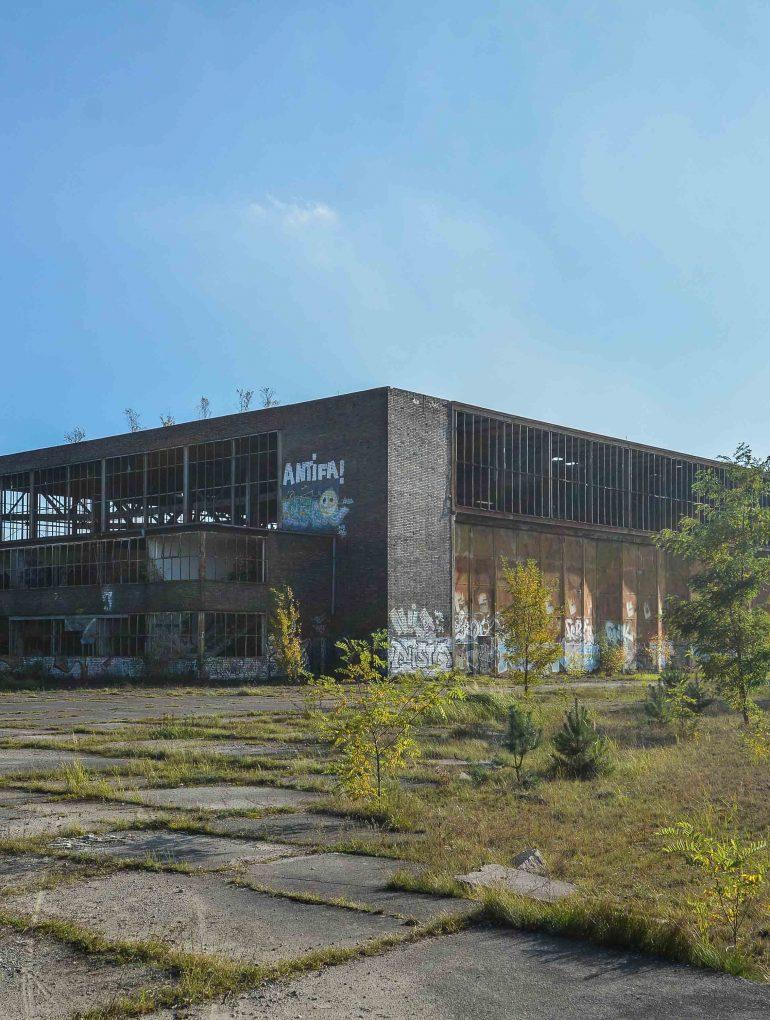 einflughalle abandoned aircraft hangar flugplatz oranienburg urbex abandoned lost places brandenburg