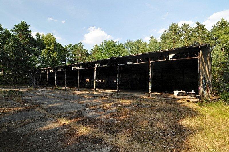 grosse lagerhalle munitionsdepot oranienburg