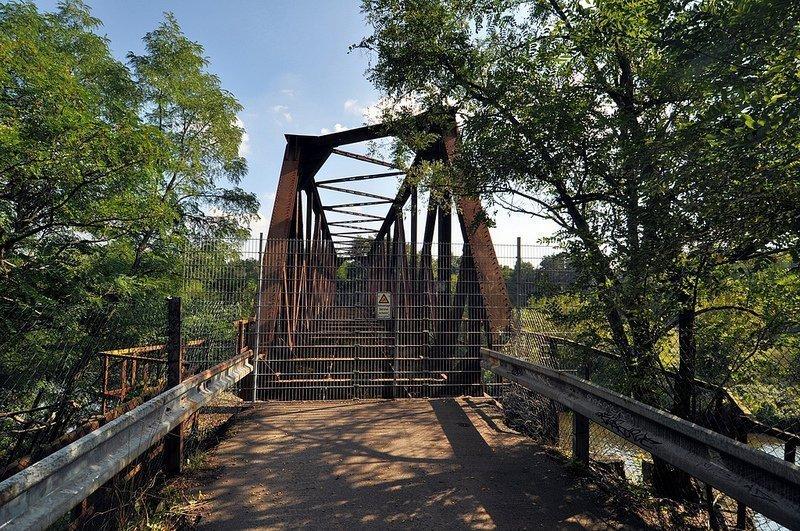 closed teltowkanal bridge friedhofsbahn