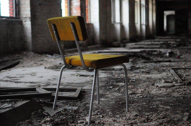 abandoned chair veb baerensiegel adlershof berlin