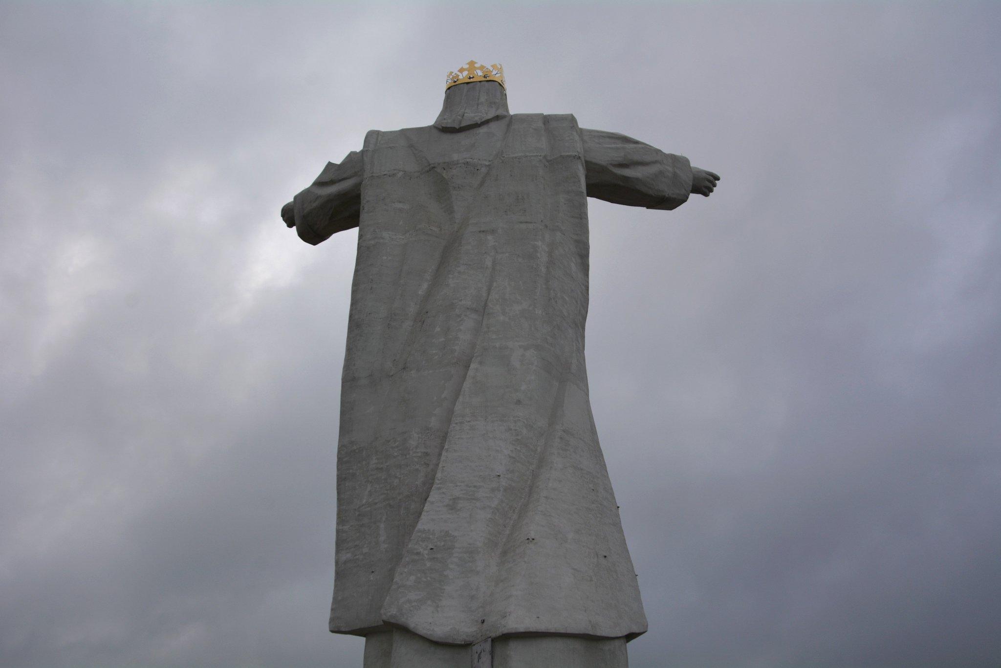 Pomnik Chrystusa Krola jesus statue swiebodzin poland back view