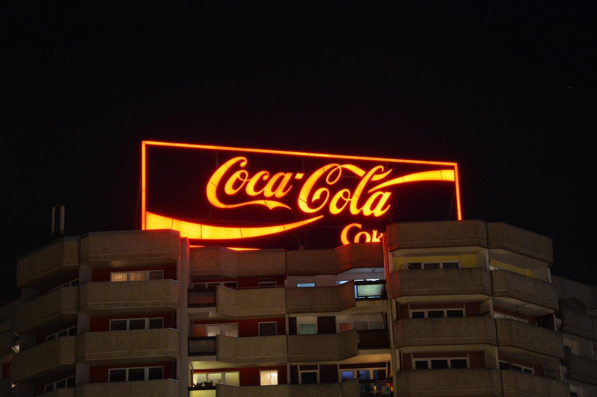 coca cola tafel spitteleck berlin nachts