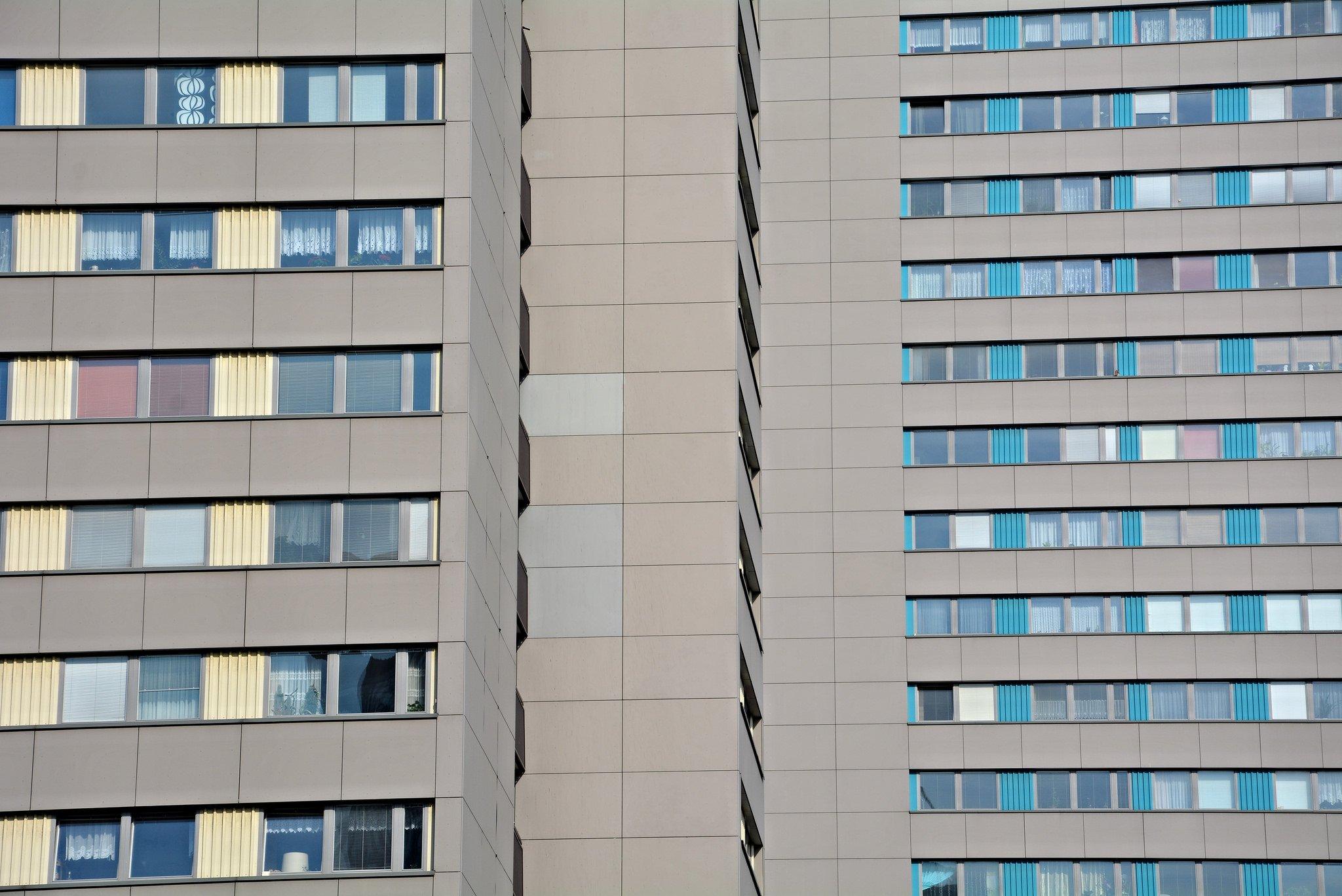 plattenbauten leipziger strasse berlin