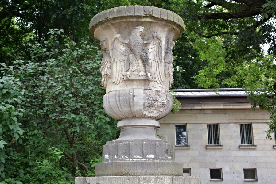 reichsadler berlin vase siegessaeule