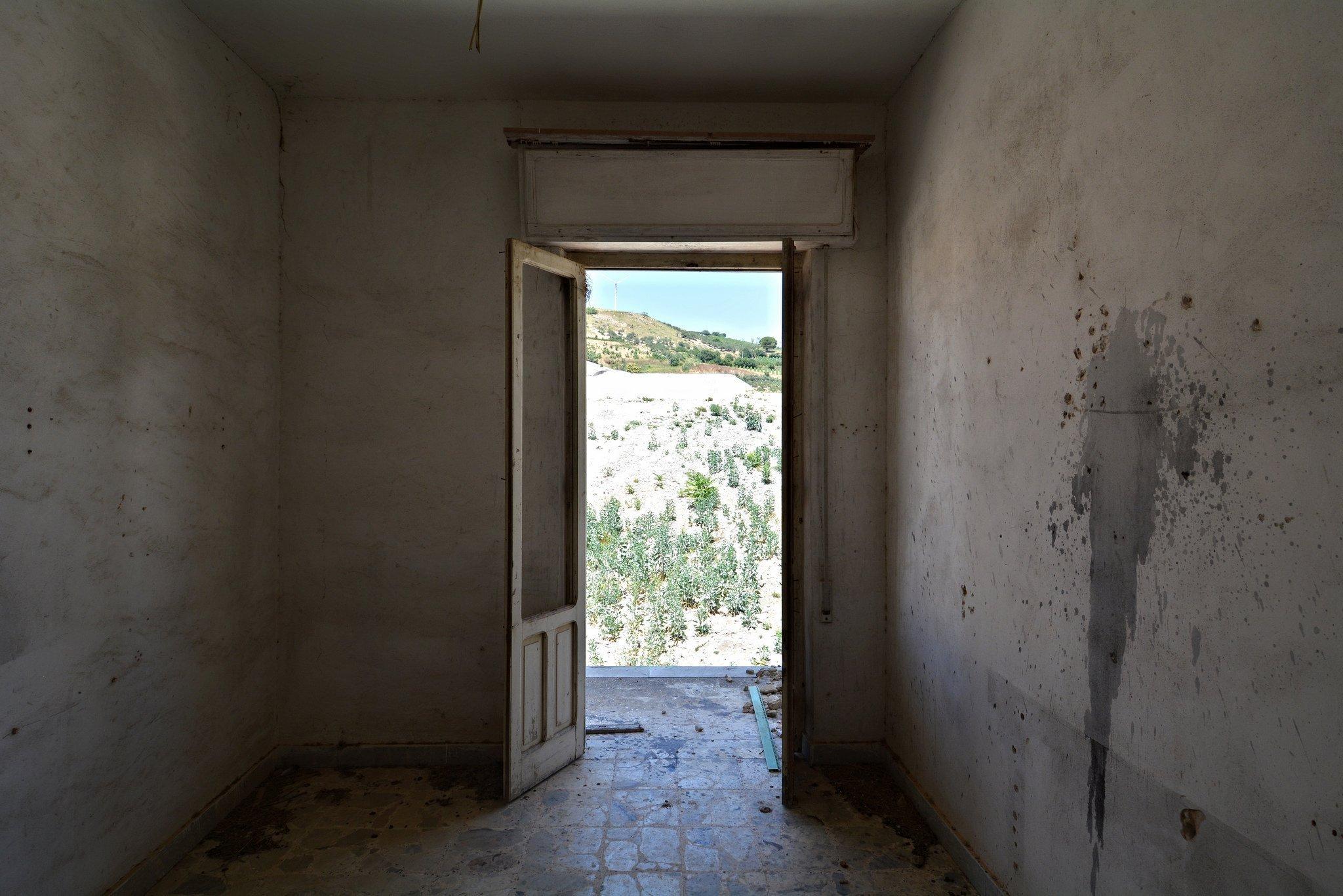 abandoned doctor villa gibellina sicily
