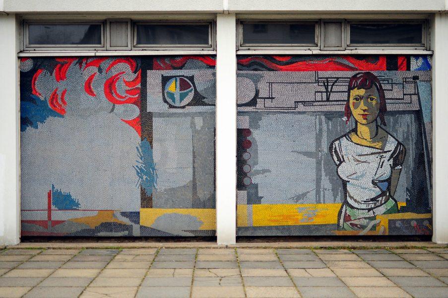 rechenzentrum potsdam germany deutschland ddr mosaic mosaik arbeiterin