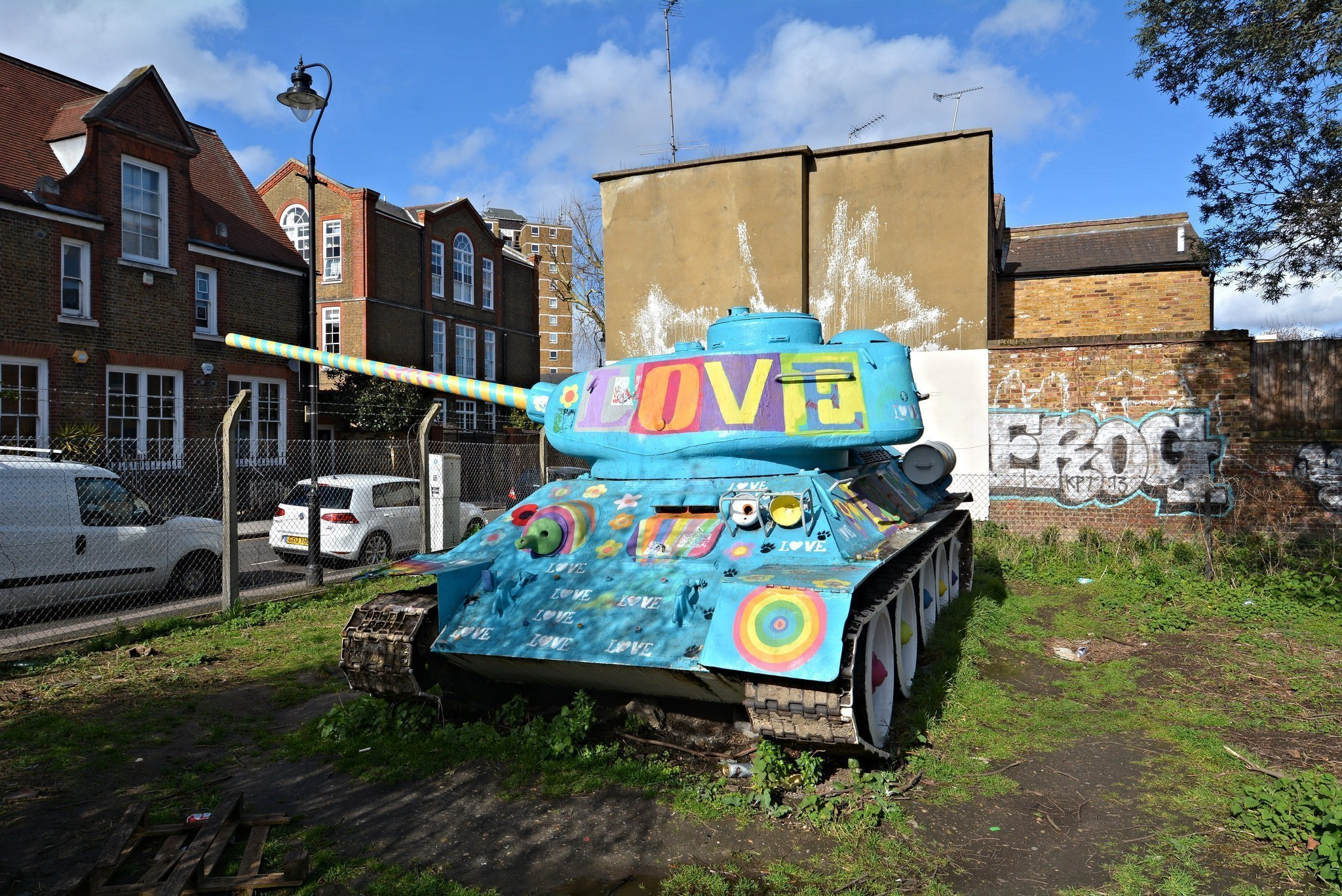 mandela way london stompie stompy t34 soviet tank