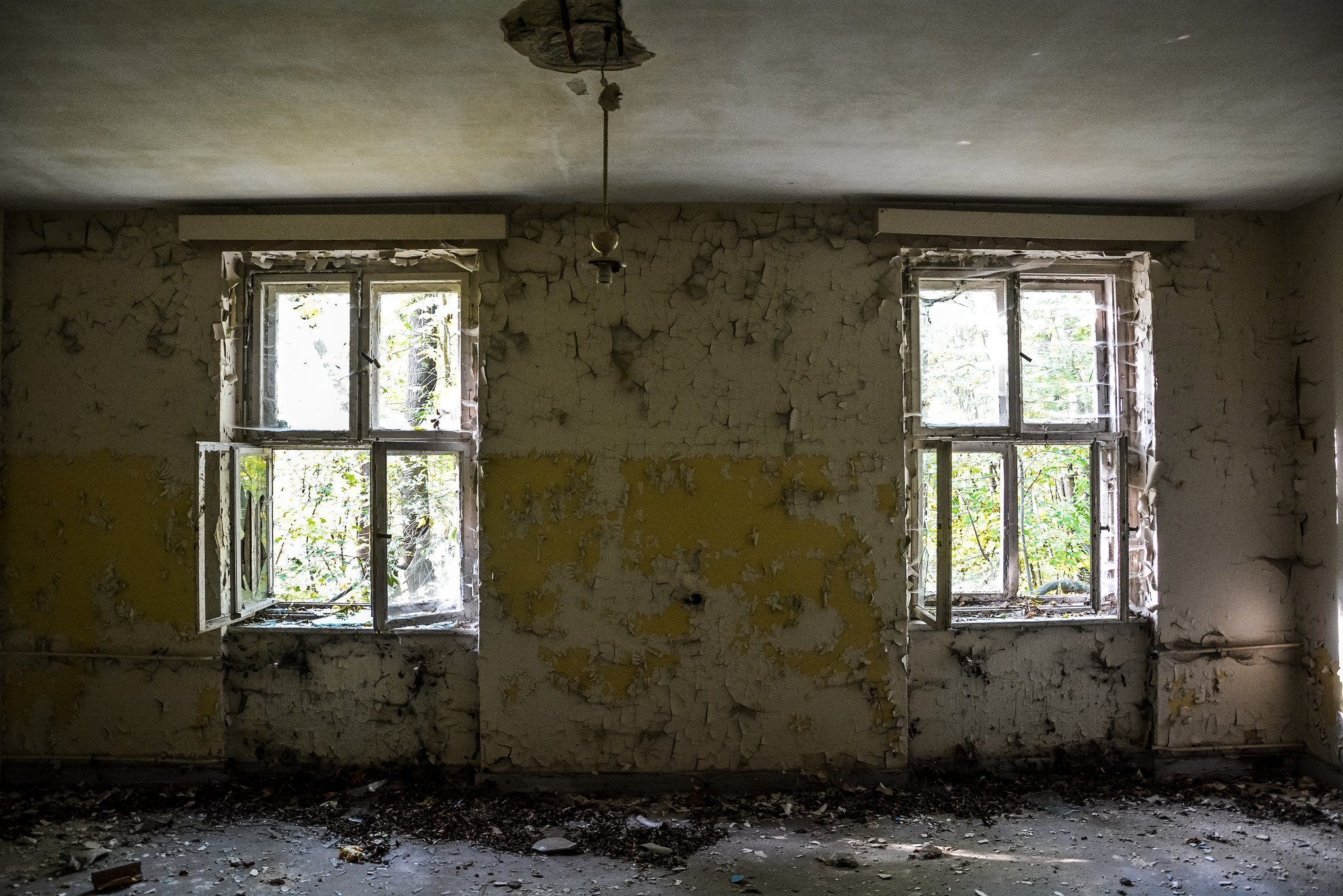 abandoned hospital berlin verlassenes krankenhaus lost places urbex fenster ruins windows