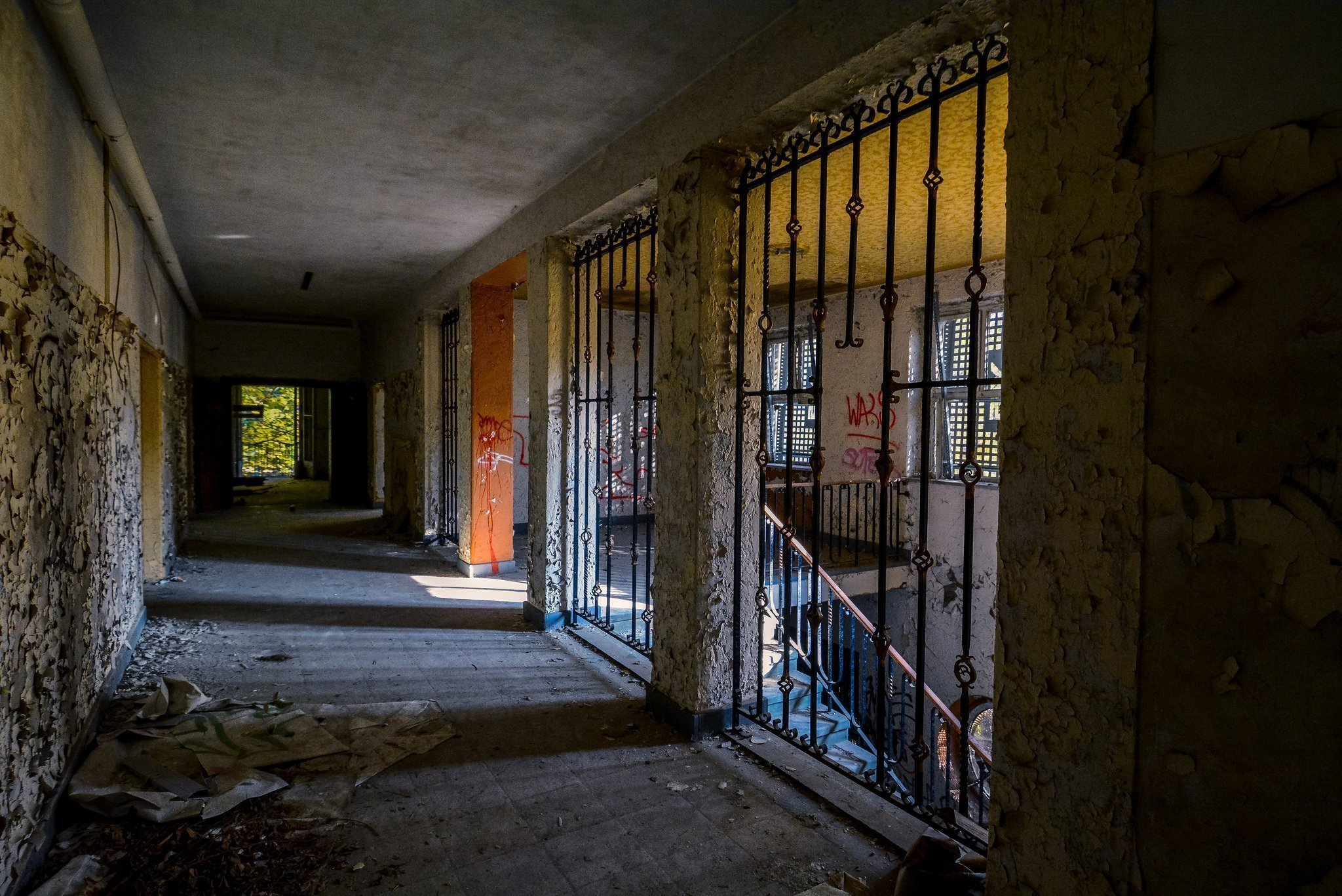abandoned hospital berlin verlassenes krankenhaus lost places urbex ruins germany gated staircase