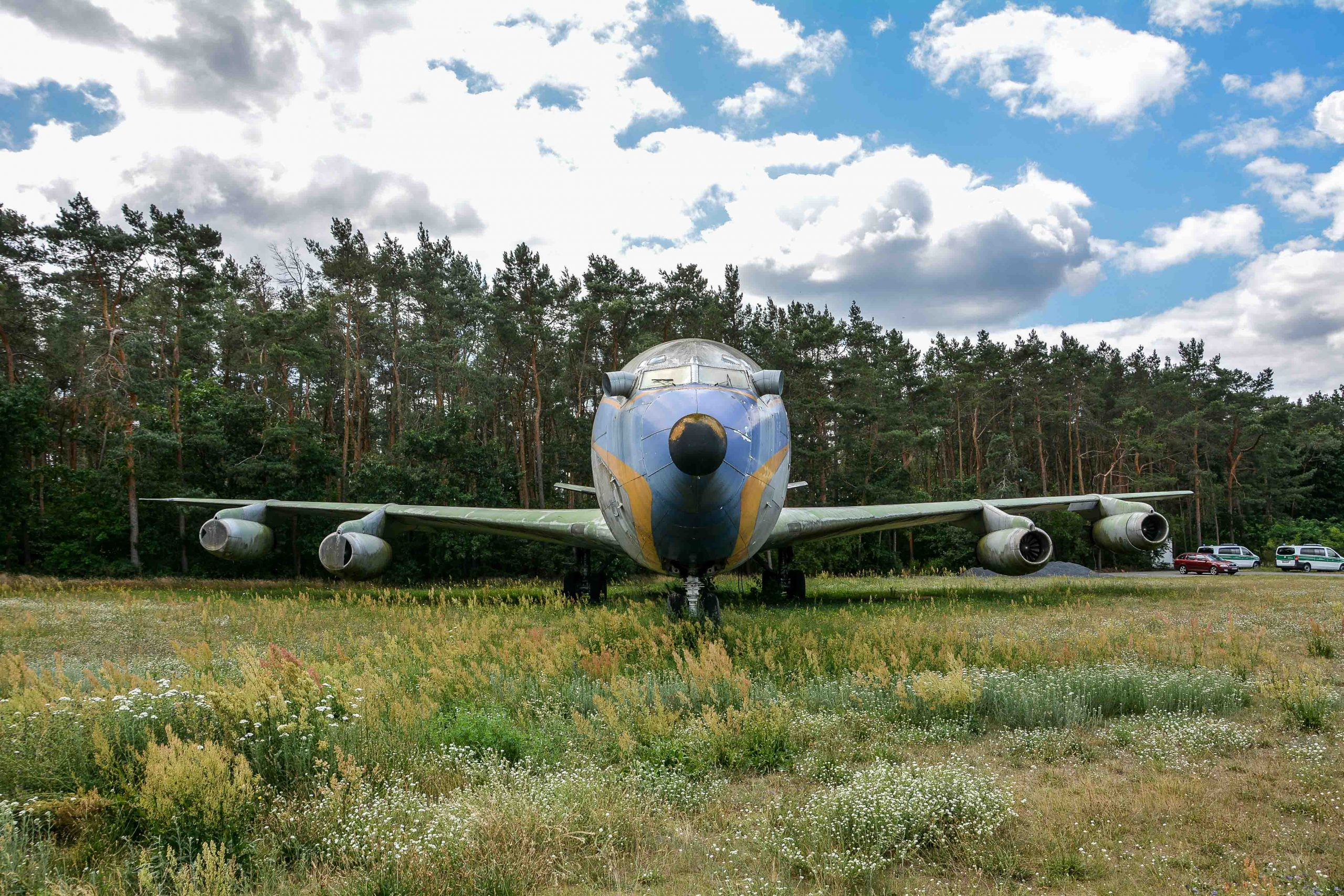 front view abandoned boeing 707 tegel txl flughafen airport berlin germany deutschland