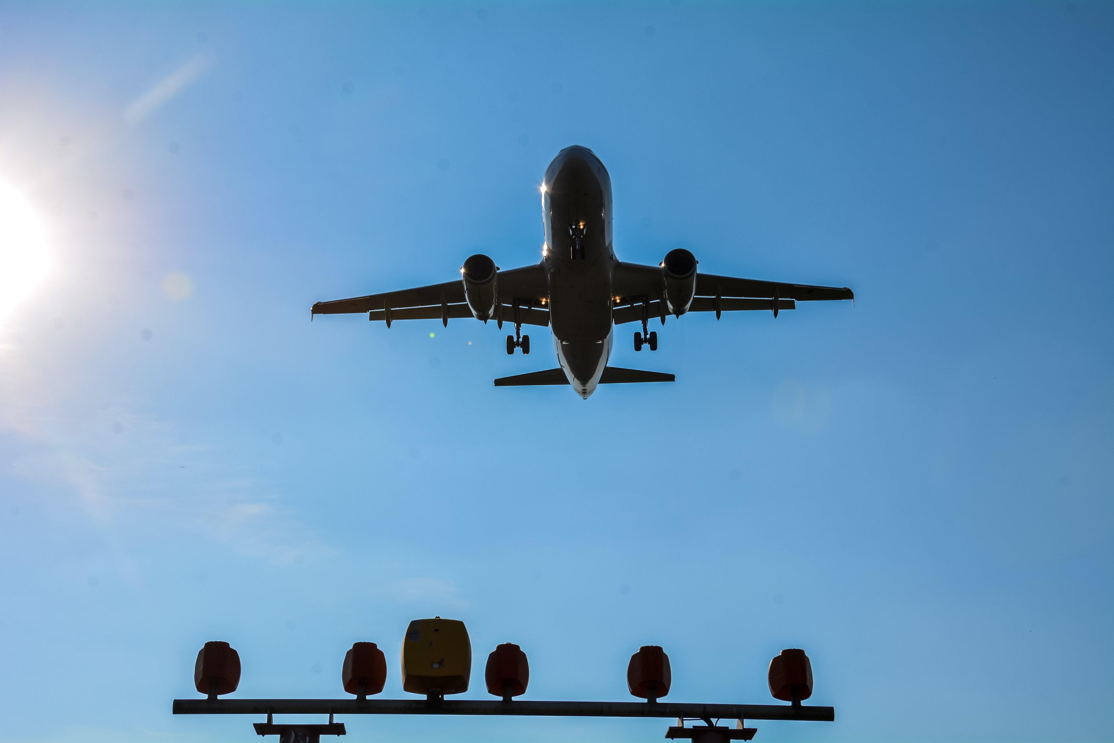 landing aircraft berlin tegel txl airport