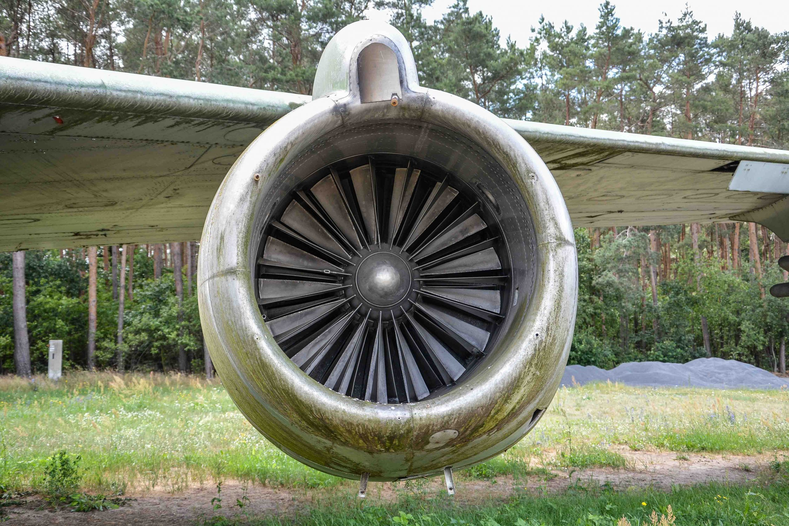 turbine abandoned boeing 707 tegel txl flughafen airport berlin germany deutschland