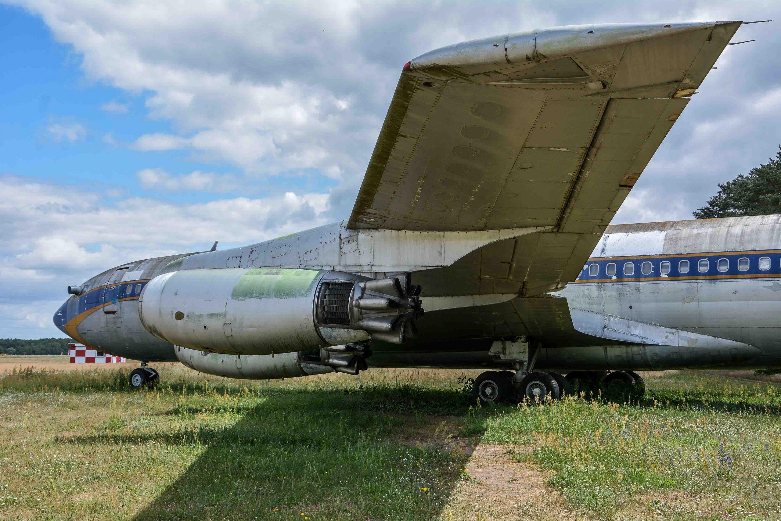 wing turbines abandoned boeing 707 tegel txl flughafen airport berlin germany deutschland