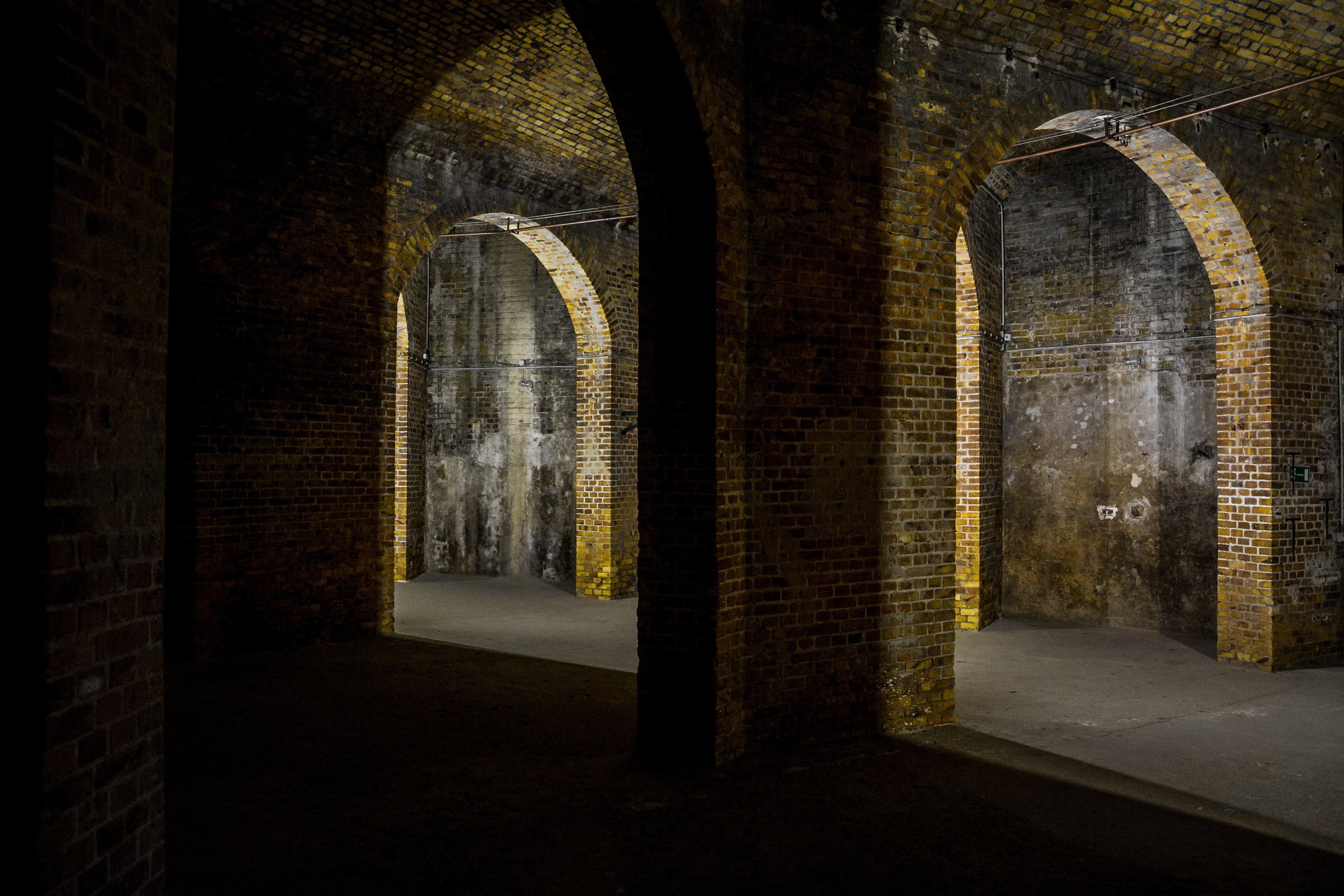 berlin prenzlauer berg wasserturm kleines wasserreservoir gewoelbe treppen water tower small water reservoir catacombs