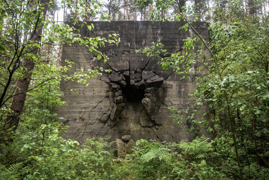 panzerplatte vorne weisse haeuser rechlin mecklenburg urbex lost places