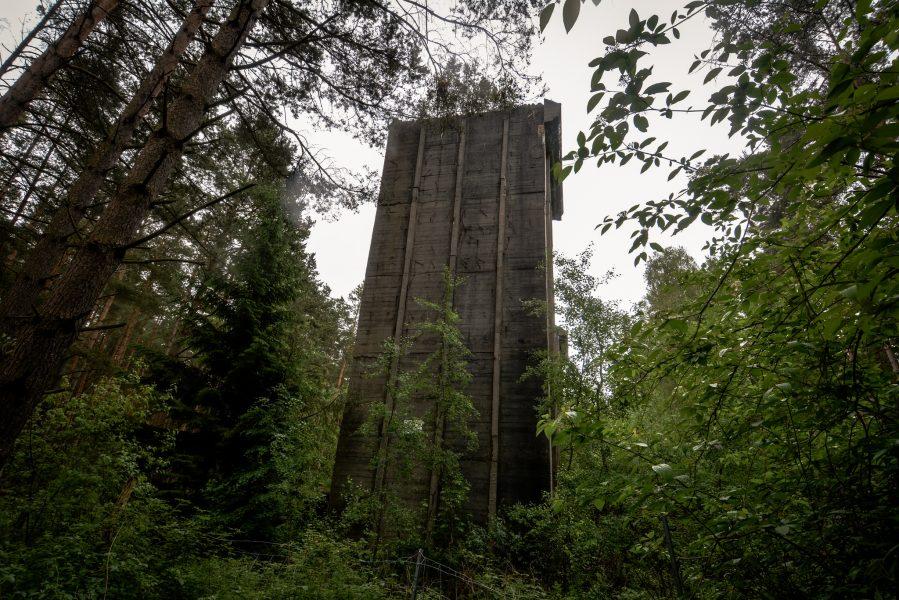turm bunker seite weisse haeuser rechlin mecklenburg urbex lost places