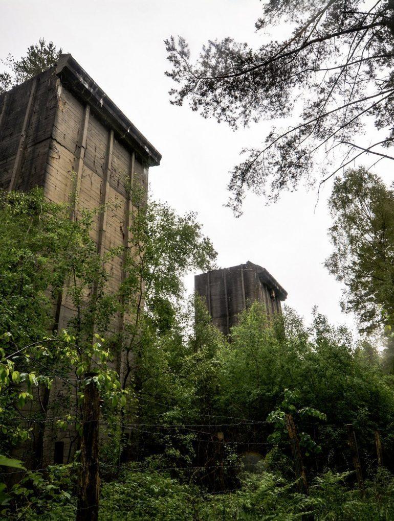 zwei tuerme bunker seite weisse haeuser rechlin mecklenburg urbex lost places