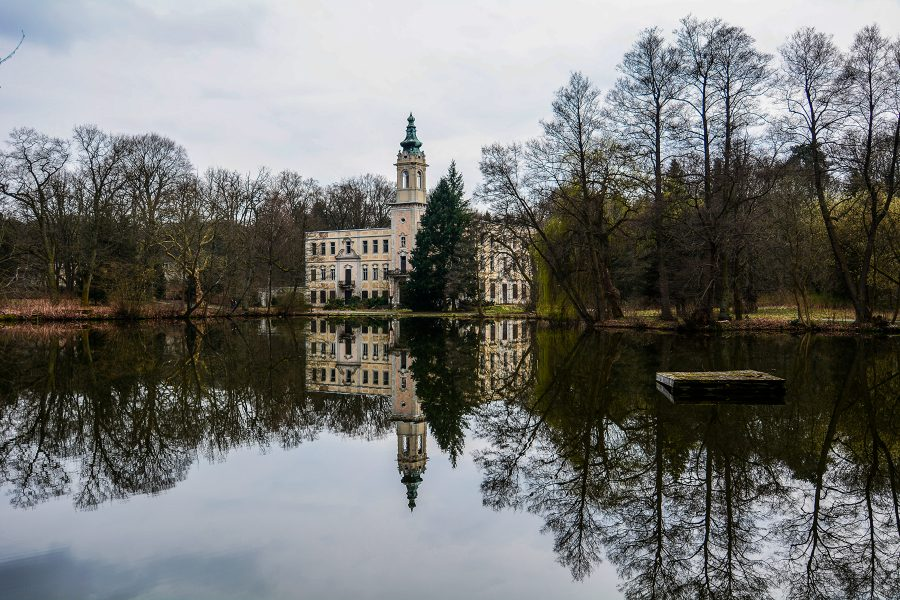 lake view muehlenteich schloss dammsmuehle berlin lost places germany abandoned berlin urbex castle