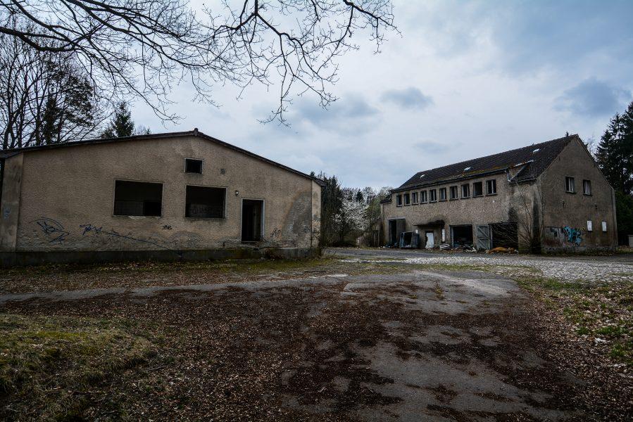 schloss dammsmuehle berlin lost places germany, abandoned berlin urbex castle farm buildings