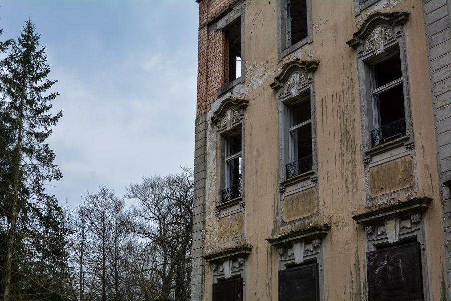 schloss dammsmuehle berlin lost places germany, abandoned berlin urbex castle windows fenster