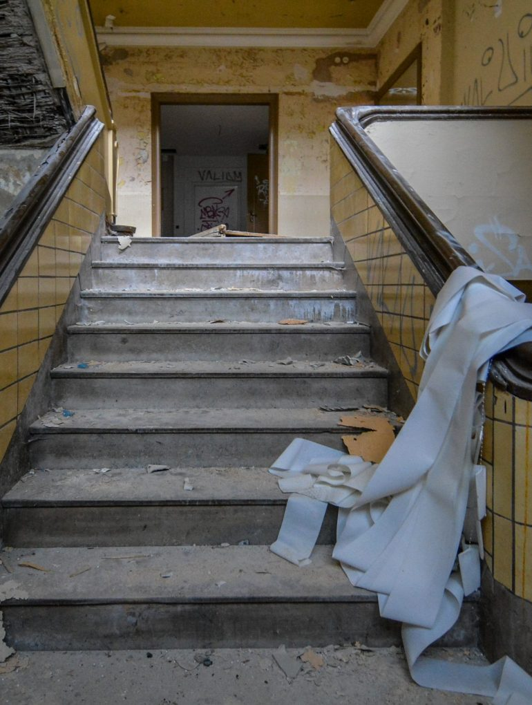 textil fabrik factory urbex lost places abandoned germany staircase