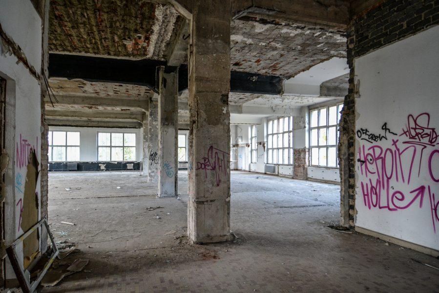 abandoned factory second floor pilars maschinenfabrik georg lensch lost places urbex urban exploring abandoned germany