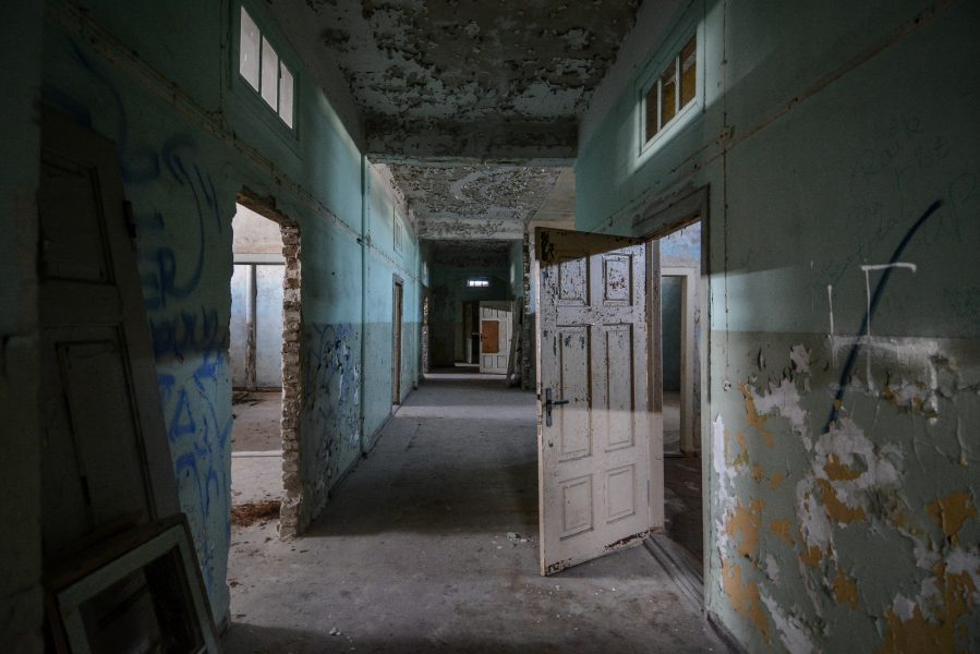 blue hallway villa heike DDR stasi nazi archiv berlin germany abandoned lost places urbex urban exploring