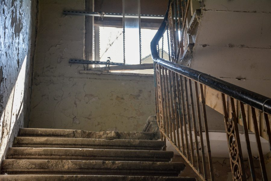 first floor staircase villa heike DDR stasi nazi archiv berlin germany abandoned lost places urbex urban exploring