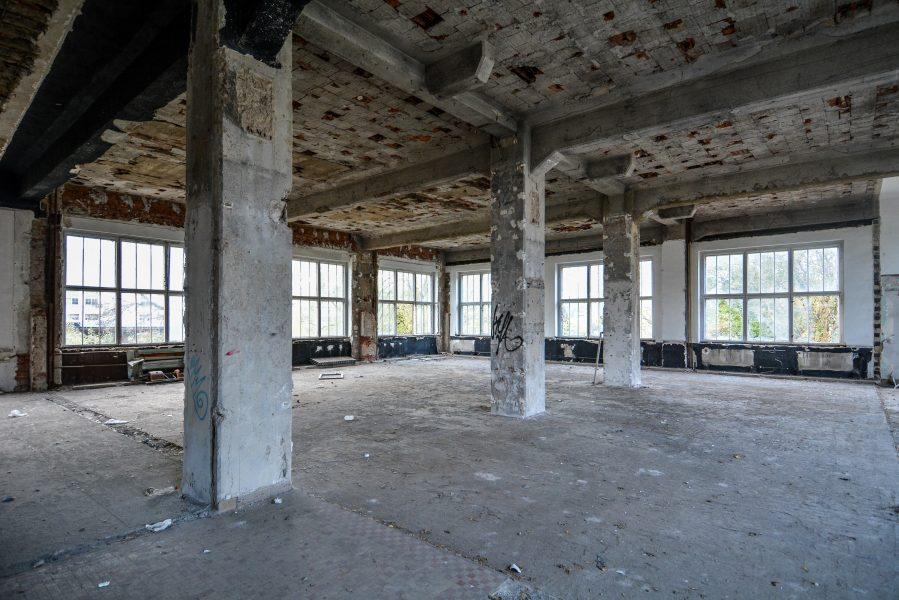 pillars second floor abandoned factory maschinenfabrik georg lensch lost places urbex urban exploring abandoned germany