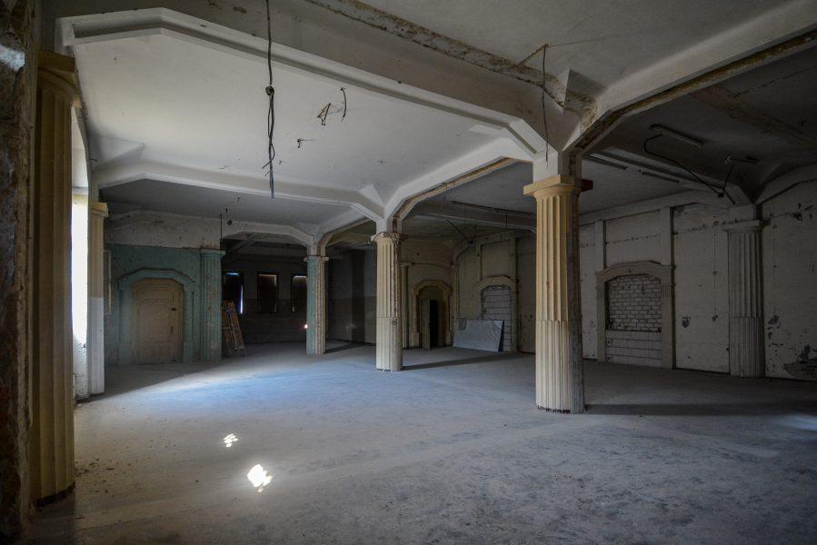 pillars showroom villa heike villa heike DDR stasi nazi archiv berlin germany abandoned lost places urbex urban exploring