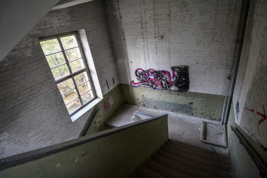 staircase maschinenfabrik georg lensch lost places urbex urban exploring abandoned germany