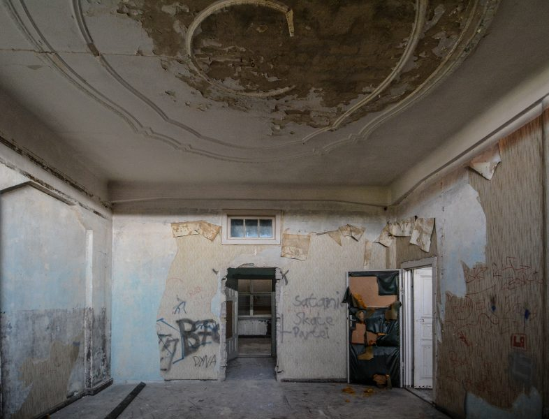 stucco room villa heike DDR stasi nazi archiv berlin germany abandoned lost places urbex urban exploring