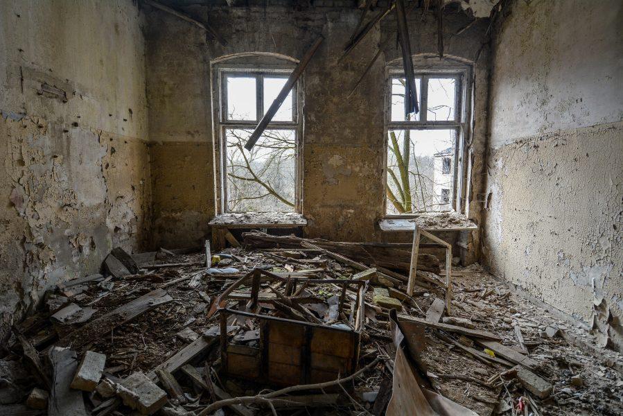 upper floor gasthof zum schwarzen adler ruedersdorf brandenburg deutschland germany abandoned lost palces urbex