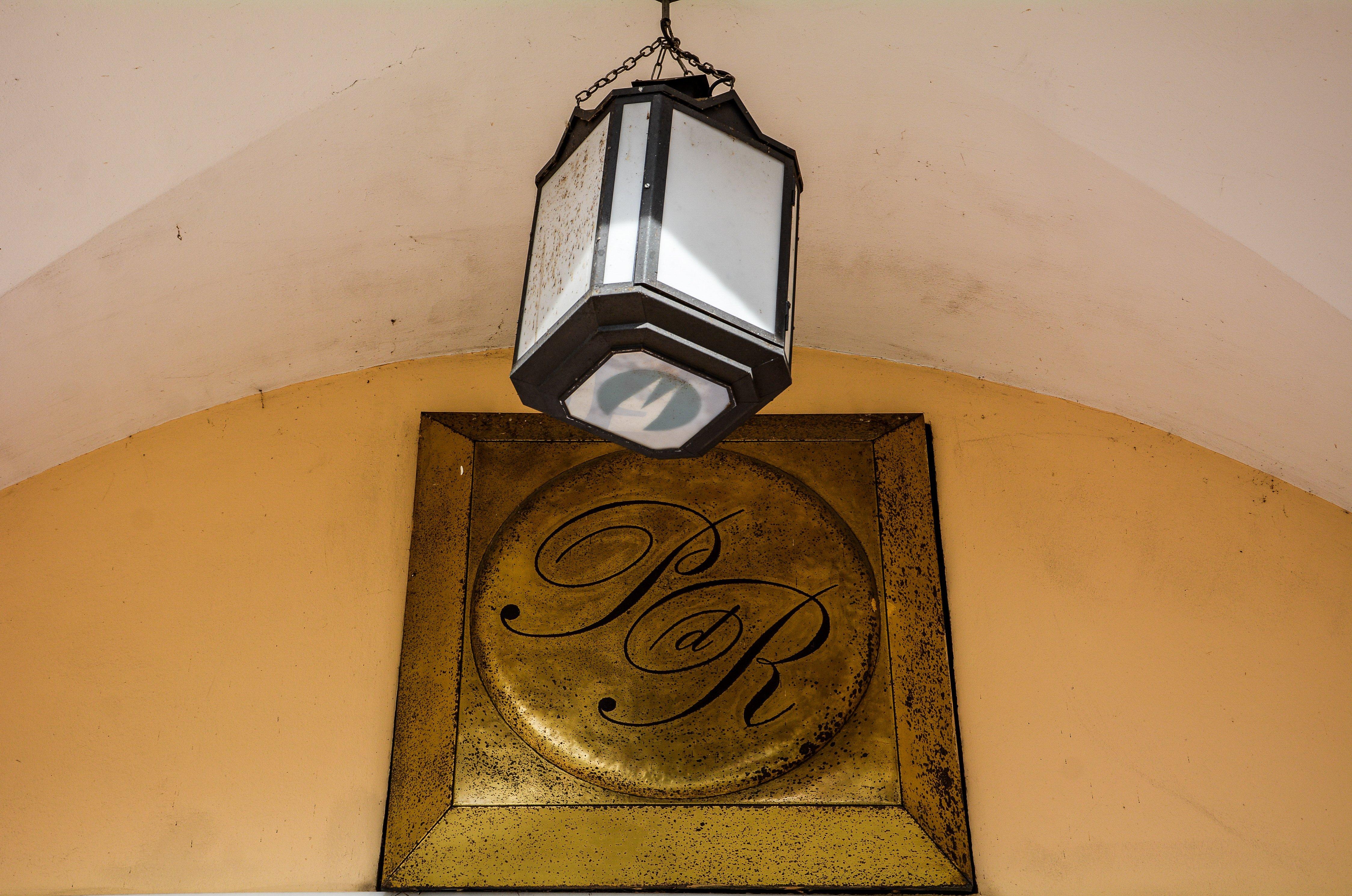 PDR berlin palast der republik ddr germany monogram reisebuero