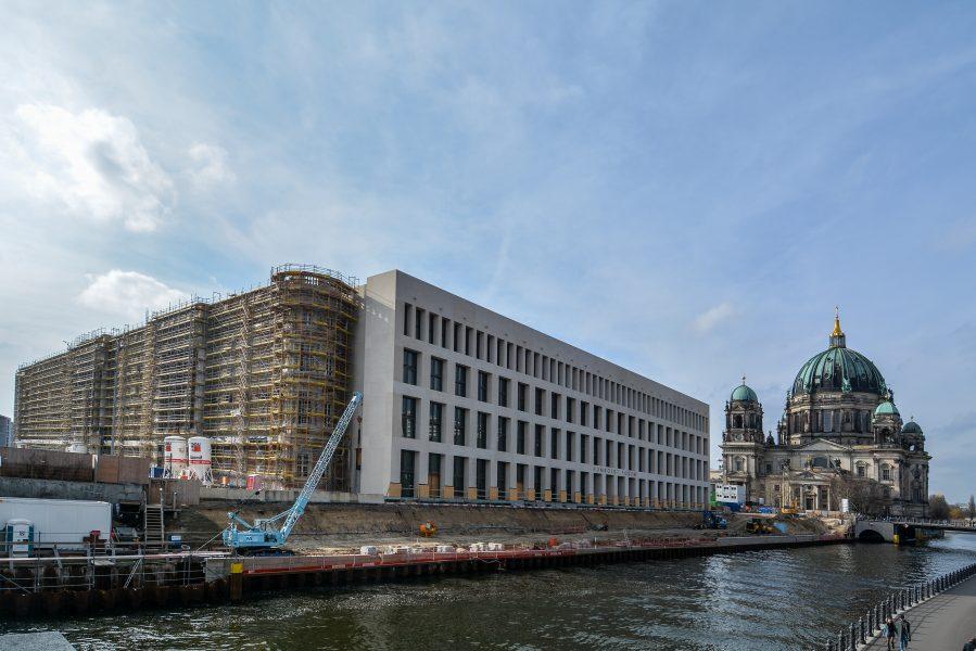 neues berliner schloss berlin deutschland 2018 baustelle