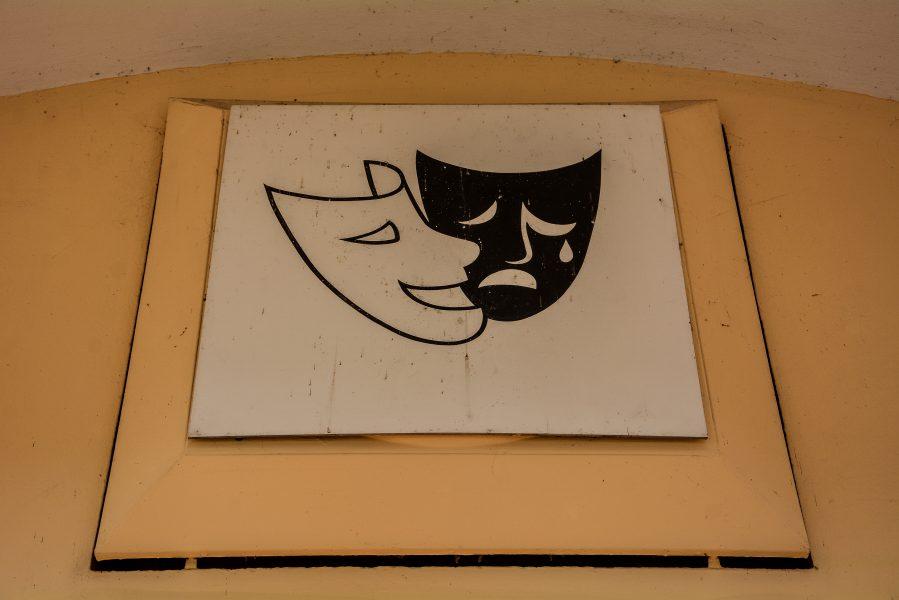 teatherschild berlin palast der republik ddr germany monogram reisebuero